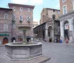 Urbino Piazzale Roma