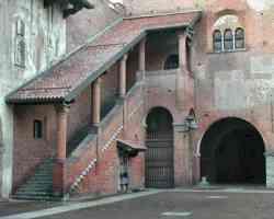 Novara - Cortile del Broletto