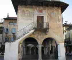Orta - Palazzo della Comunità della Riviera