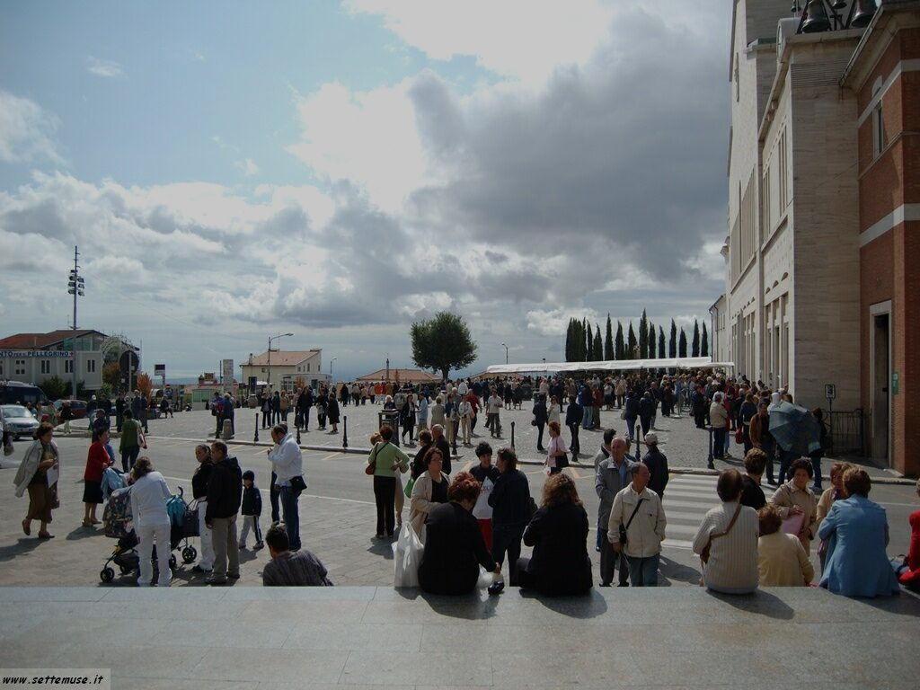 San Giovanni Rotondo - tomba di Padre Pio - pellegrinaggi