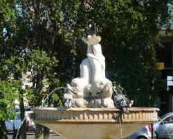 Brindisi - Fontana dei Delfini