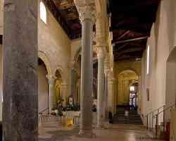 Taranto Interno Duomo S. Cataldo