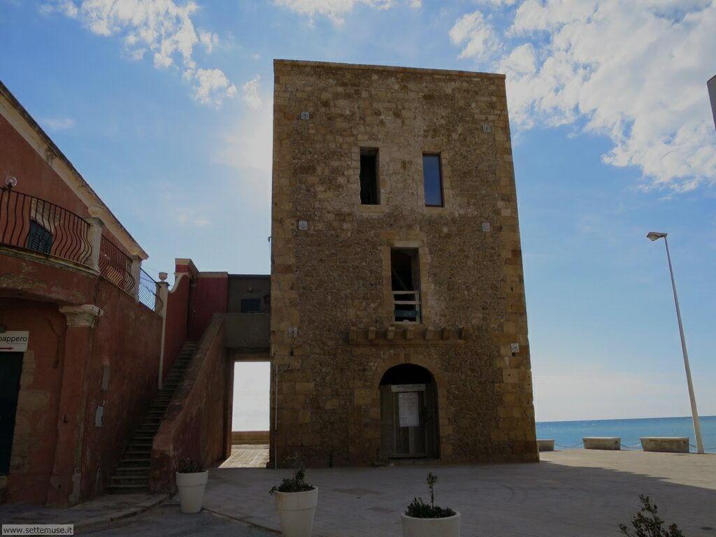 Puntasecca, casa Montalbano, castello Donnafugata 004