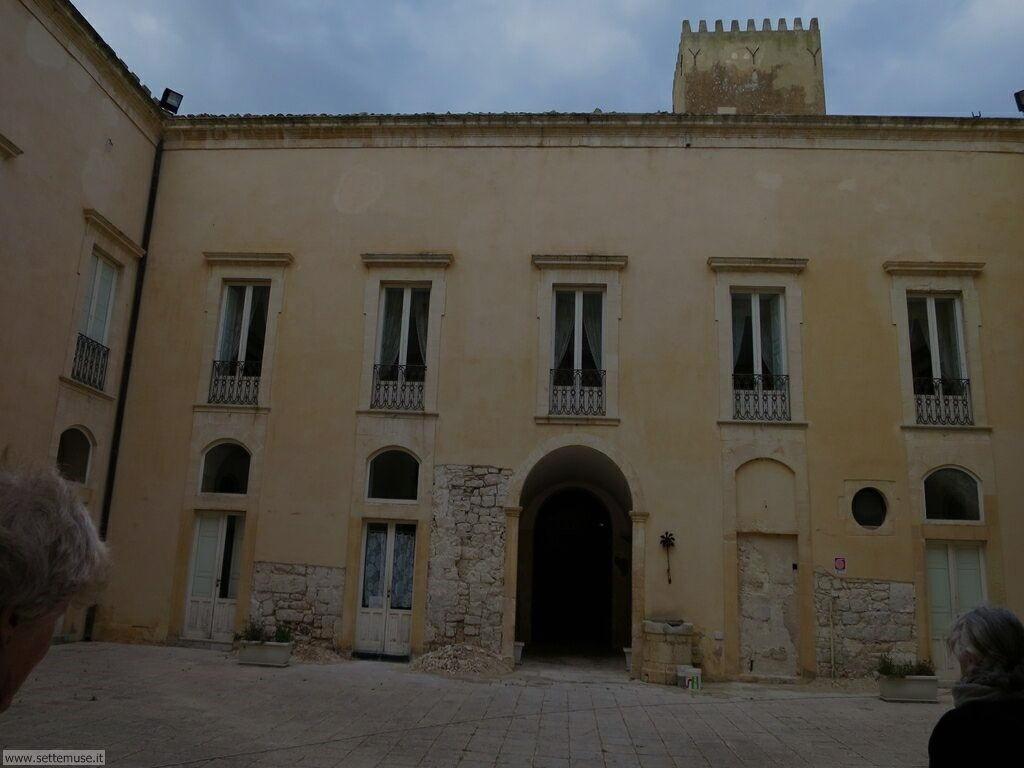 Puntasecca, casa Montalbano, castello Donnafugata 010