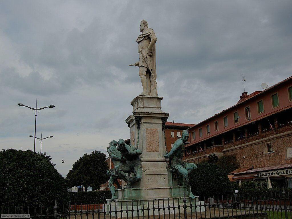 livorno_citta_411 monumento a Ferdinando I e i 4 mori