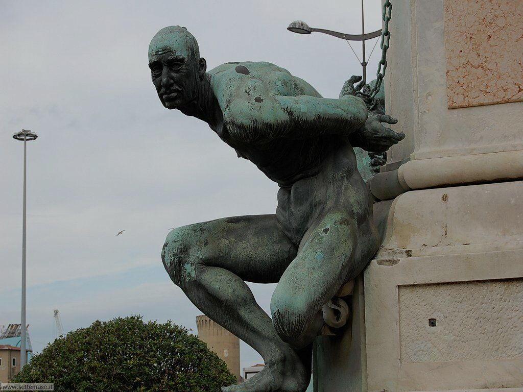livorno_citta_412 Monumento a Ferdinando I e ai 4 mori