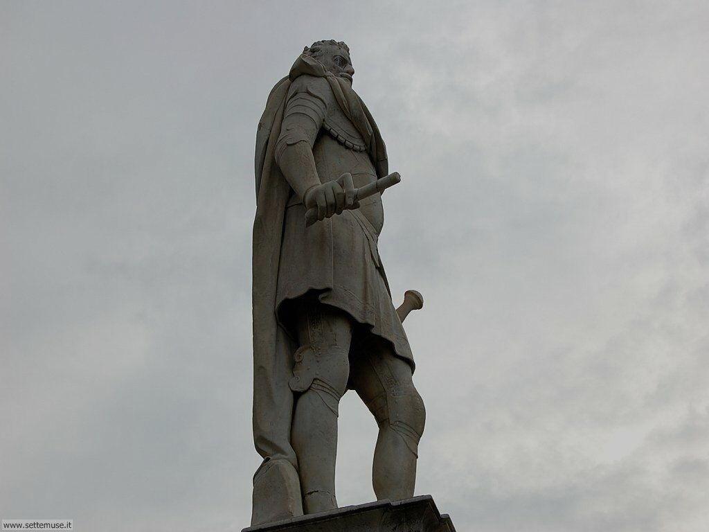 livorno_citta_416 Monumento a Ferdinando I e ai 4 mori