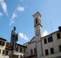 Vicchio - Piazza e monumento a Giotto