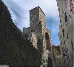 Castiglione della Pescaia - Interno delle mura