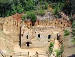 Populonia - Area Etrusca delle Grotte