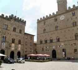 Volterra - Foto della Piazza dei Priori