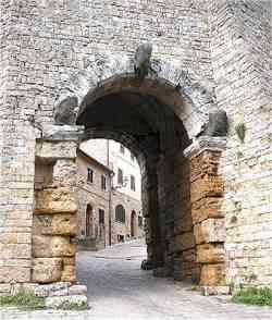Volterra - foto della Porta dell'Arco
