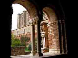 San Galgano - Colonnine del Chiostro