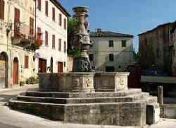 Asciano - Piazza del Grano