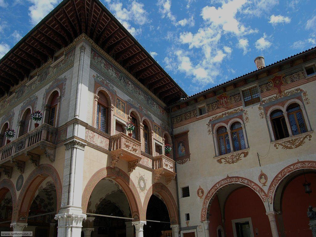 Facciate di case a Rovereto