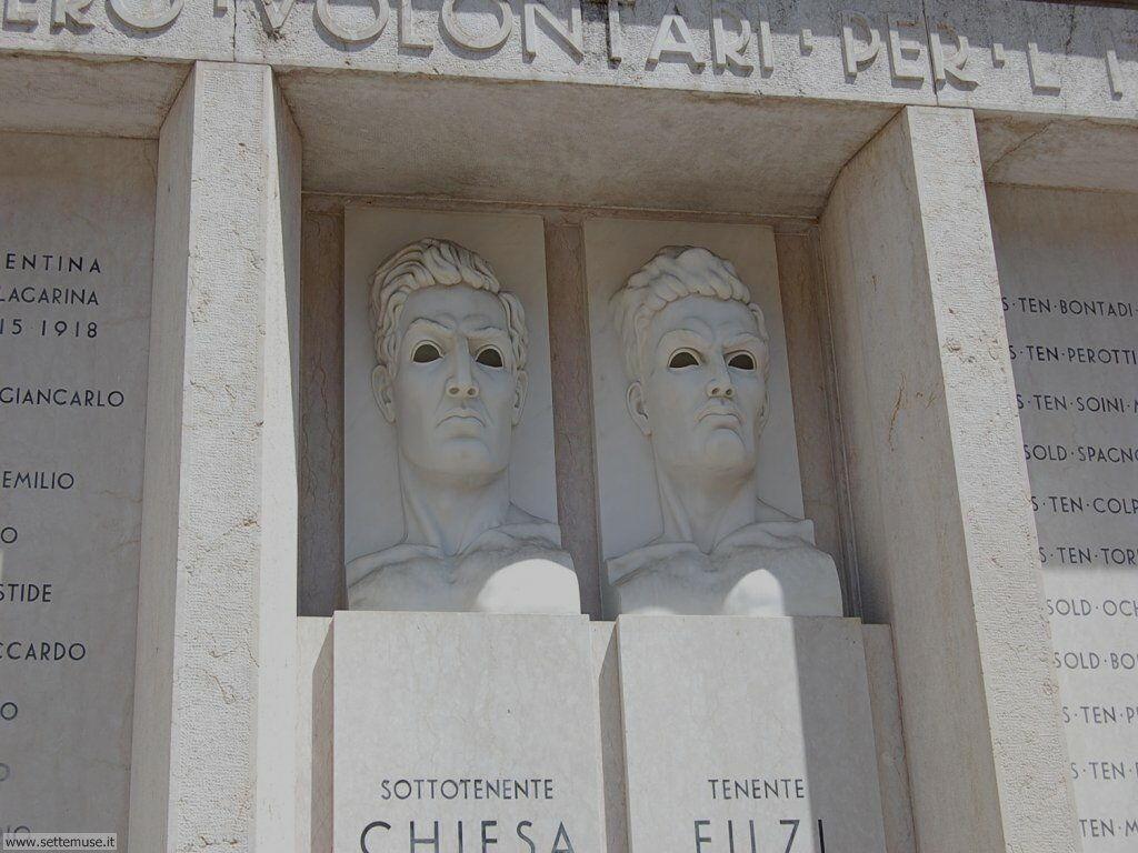 Lapide ai caduti Volontari d'Italia, Rovereto