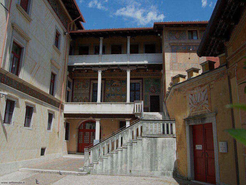 Le belle facciate delle case di Rovereto