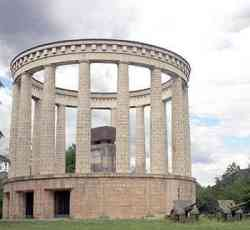 Trento - Mausoleo a Cesare Battisti