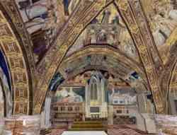 Assisi - Foto della Cripta della Basilica Inferiore
