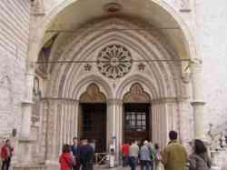 Assisi - Ingresso Basilica Inferiore