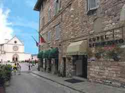 Assisi - foto di via San Francesco