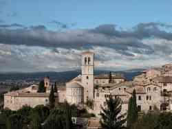 Foto panoramica di Assisi