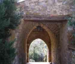 Porta di accesso alla corte del Gastello di Gaiche - Piegaro