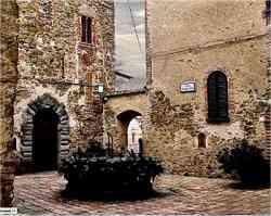 Castello di Sant'Apollinare  - Pozzo