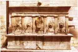 Gualdo Tadino - Foto della Fontana attribuita al Sangallo