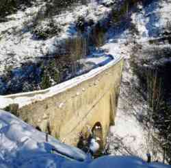 Ponte romano Pont d'Aà«l,