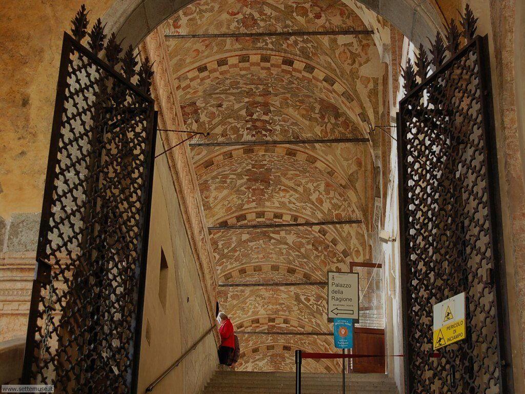 Portico del palazzo della Ragione