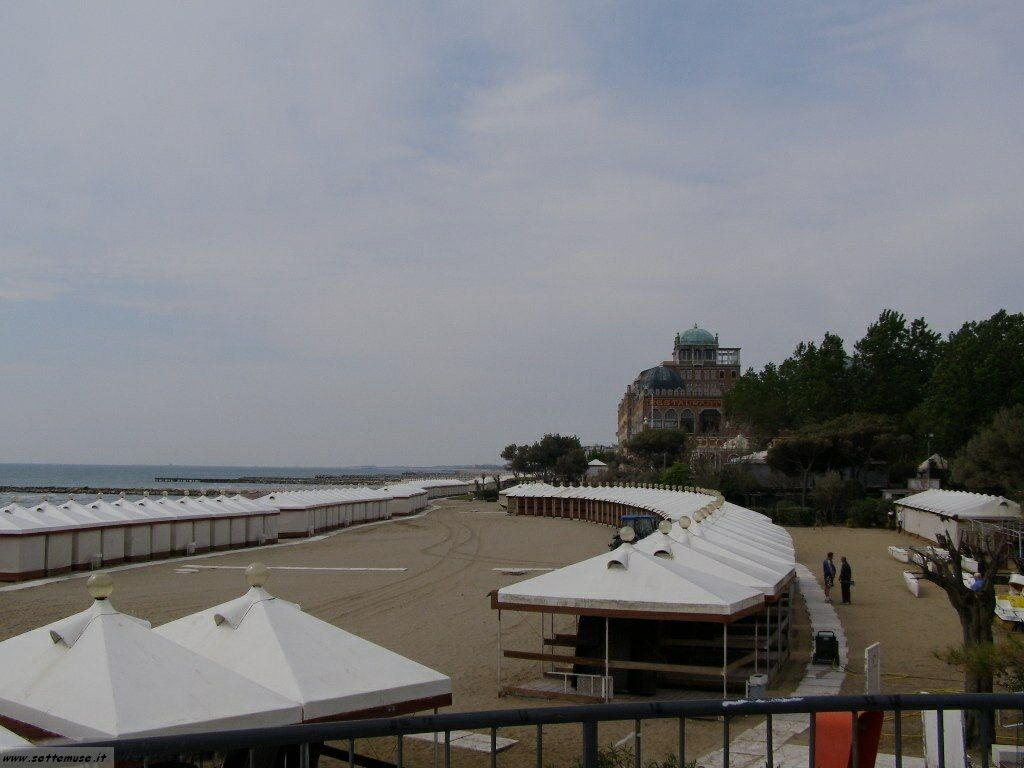 Spiaggia hotel Excelsior 142