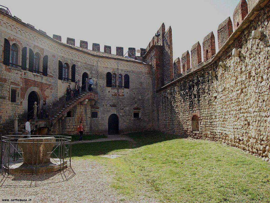 Interno del Castello di Soave