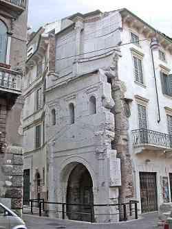 Verona Porta dei Leoni