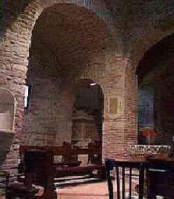 Verona - Interno di Santa Teuteria e Tosca