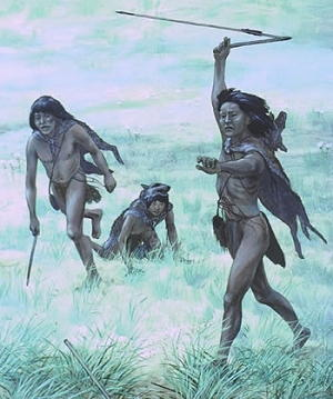 Cacciatori scagliano dardi con spear-throwers (atlatls)