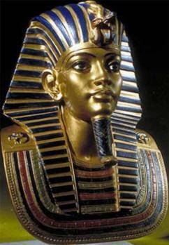 Maschera d'oro della sepoltura di Tutankhamon