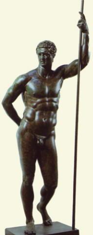 Statua in bronzo di generale romano visto come eroe nudo
